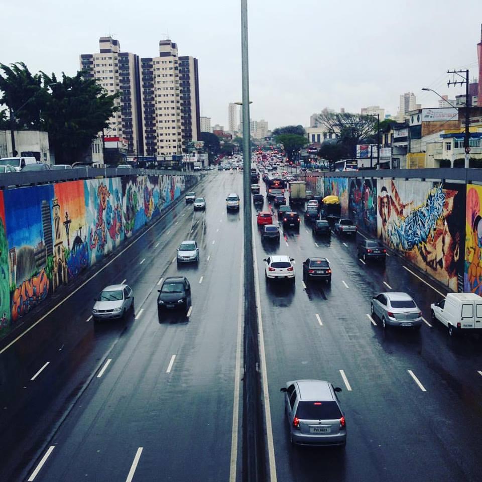 Colorindo o Cinza por Eduardo da Costa - Perimetral em Santo André