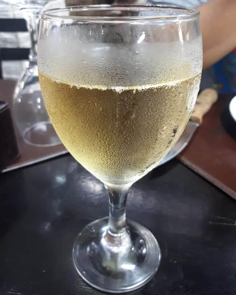 o que comer no uruguay - medio y medio