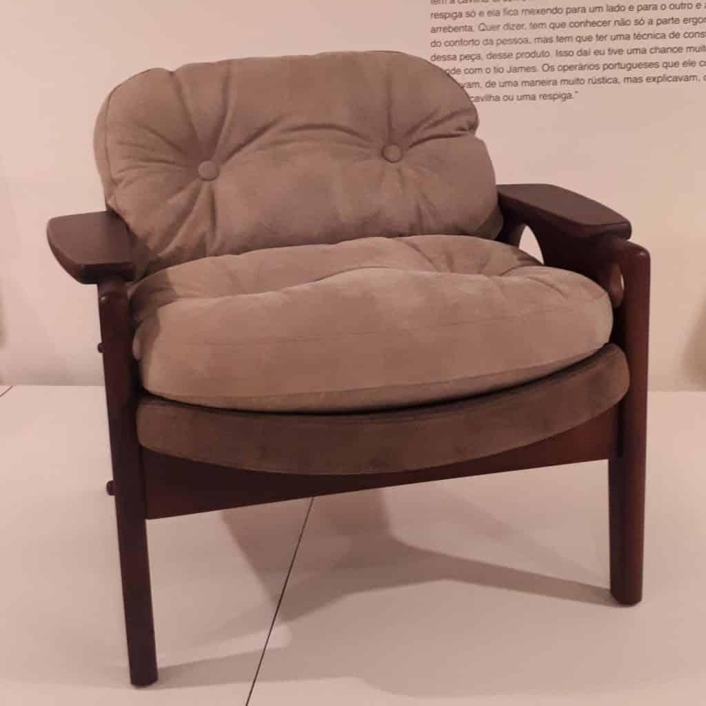 Cadeira Tetê -exposição Ser-Estar Sérgio Rodrigues