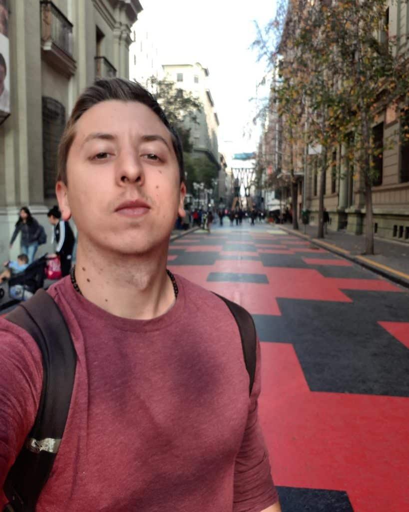 Rua colorida em Santiago, Passeo Bandera
