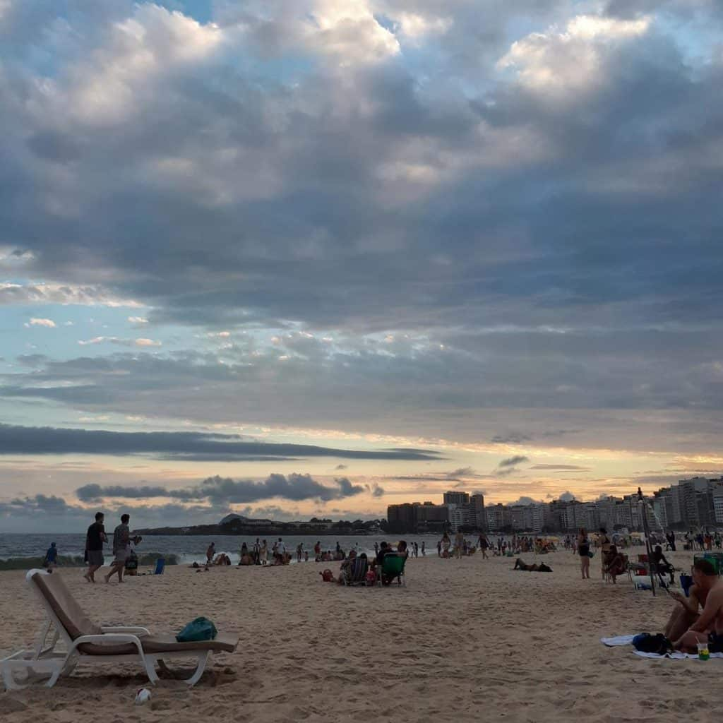 Por do Sol na Praia de Copacabana