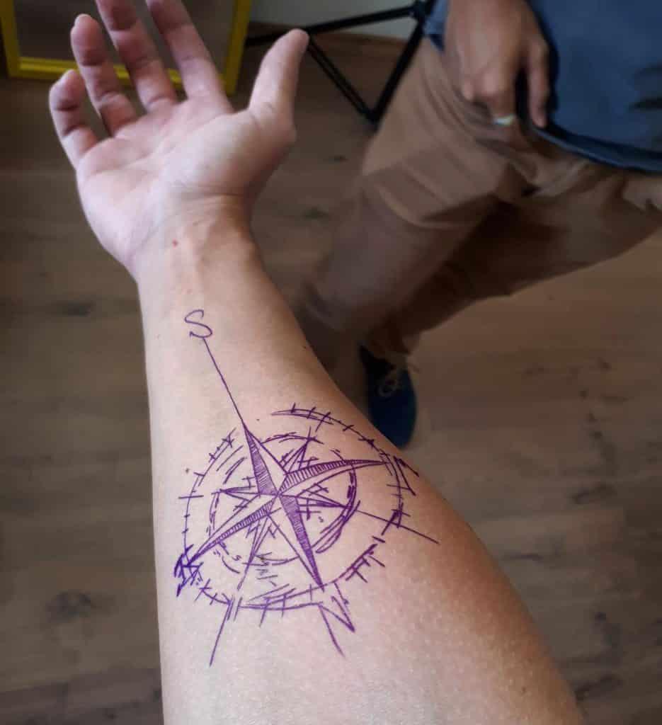 tatuagem rosa dos ventos
