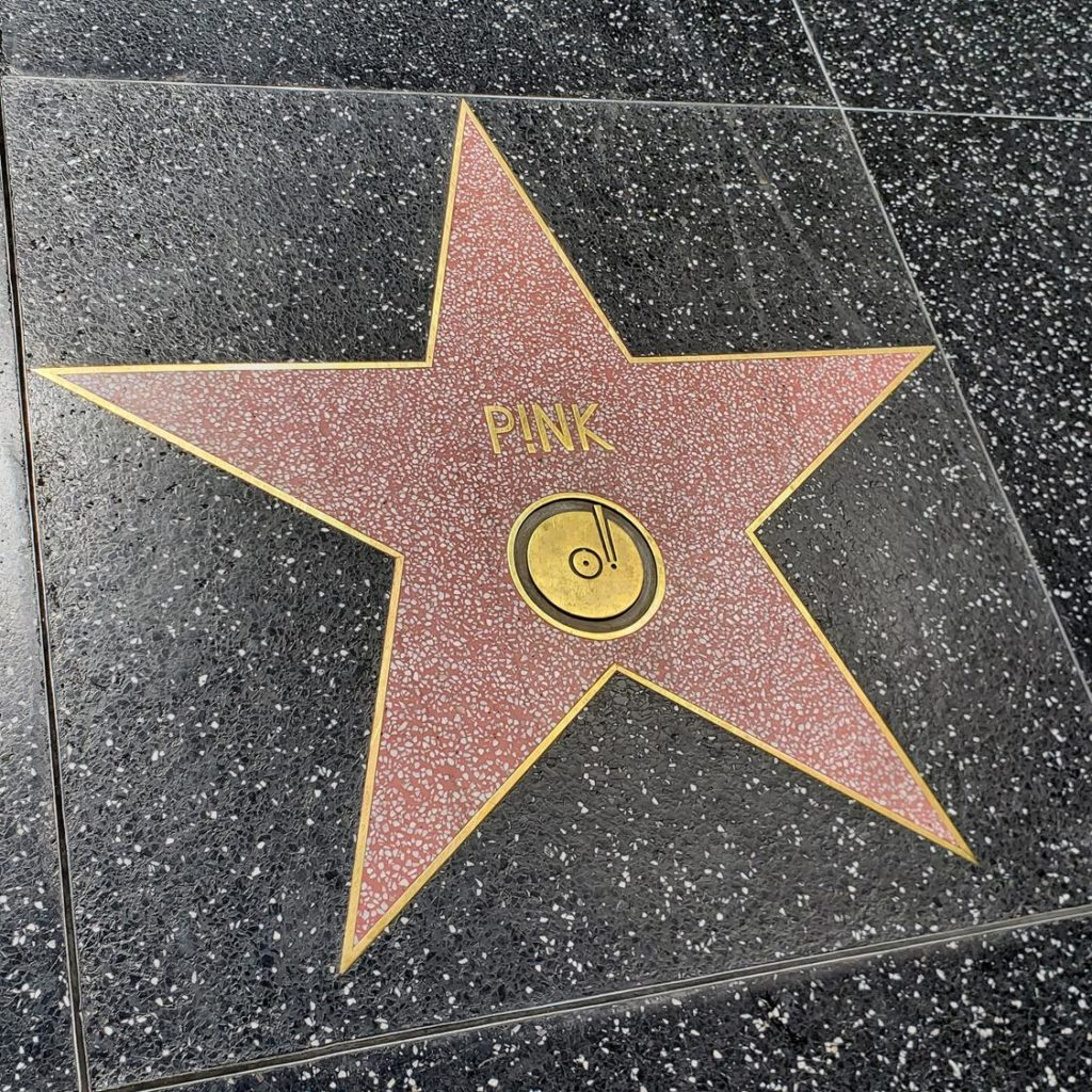 Calçada da Fama - Pink