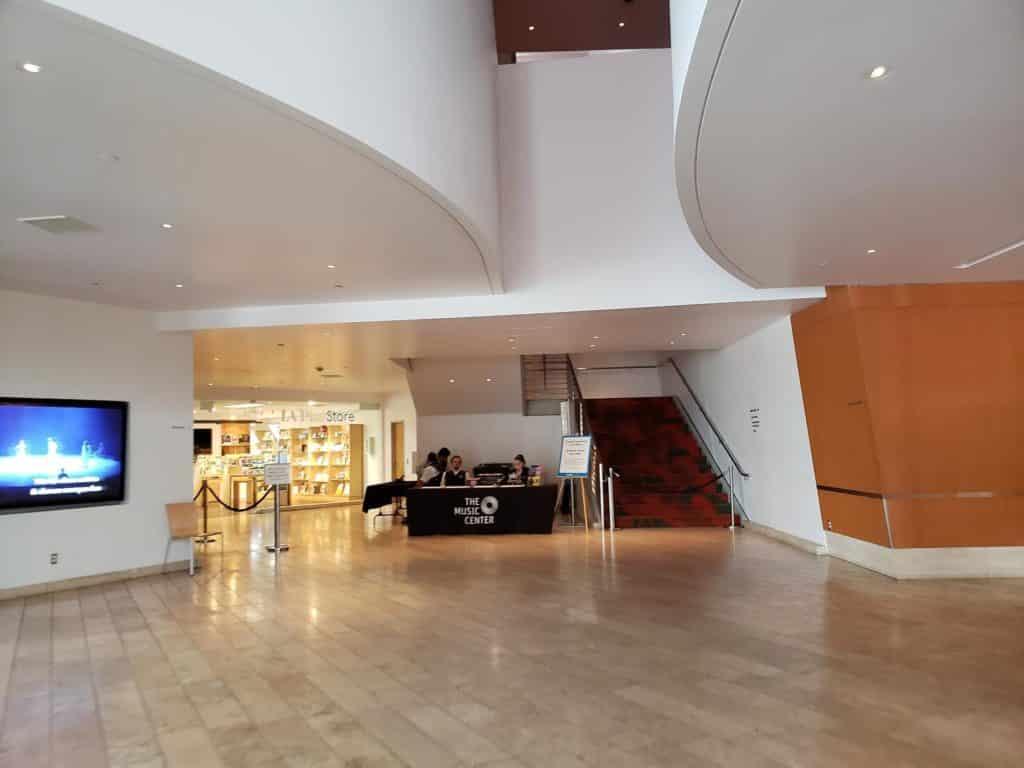 lobby walt disney concert hall