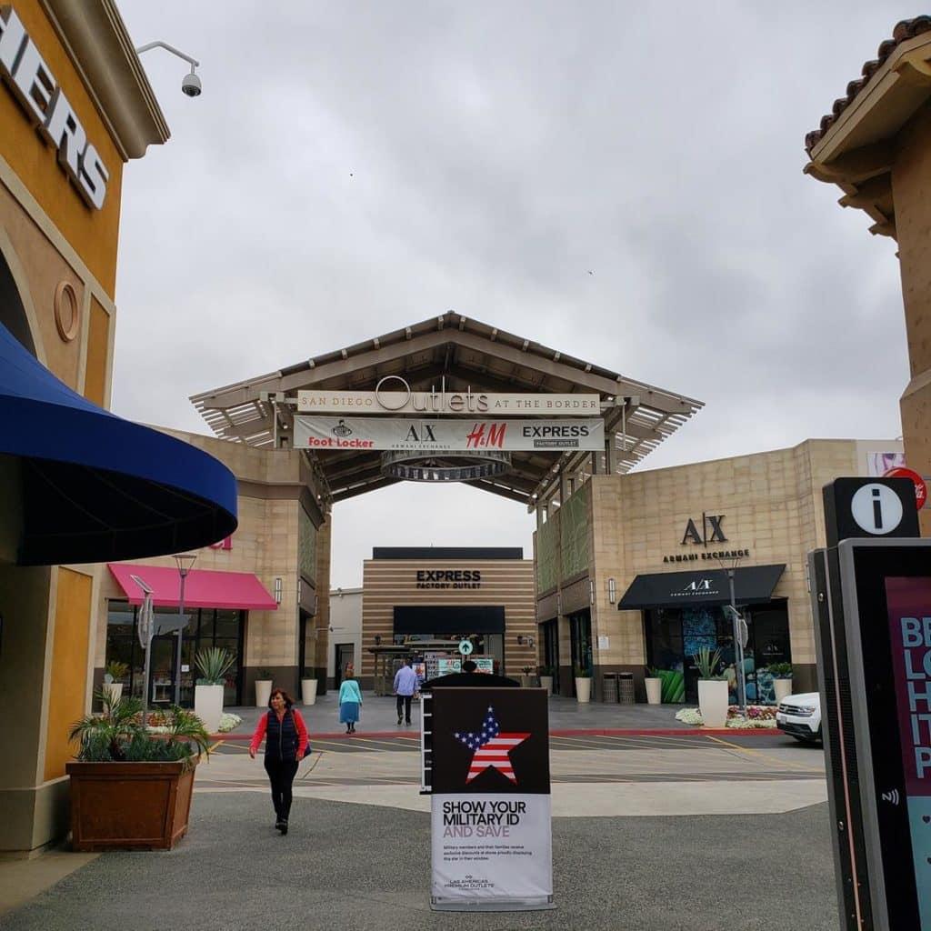 Outlet Las Américas California
