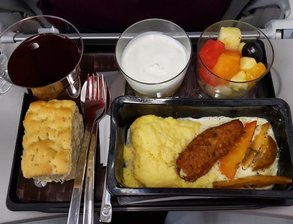Serviço de bordo Qatar Airlines