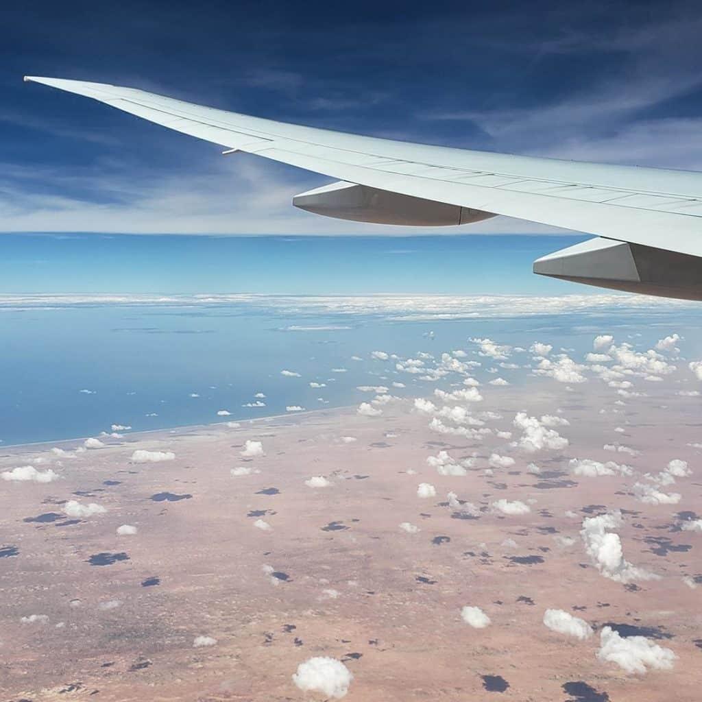 Voando de Qatar Airlines - deserto de dakar
