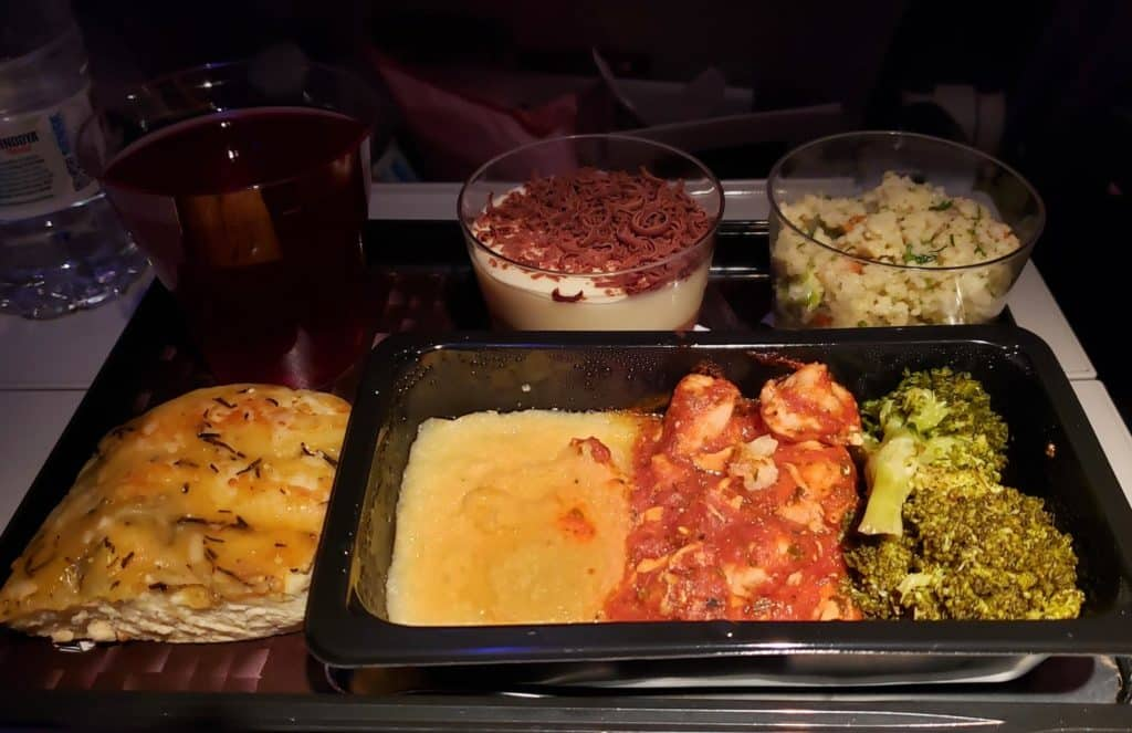 Comida de Bordo Qatar Airways