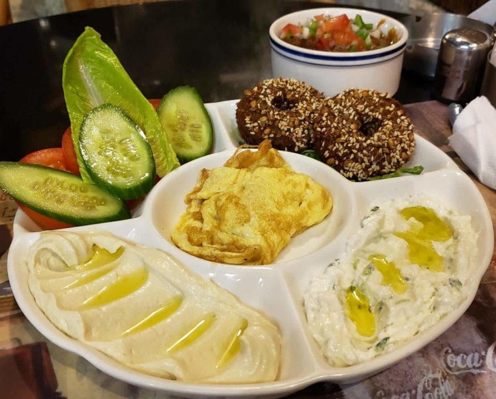 comida árabe em doha