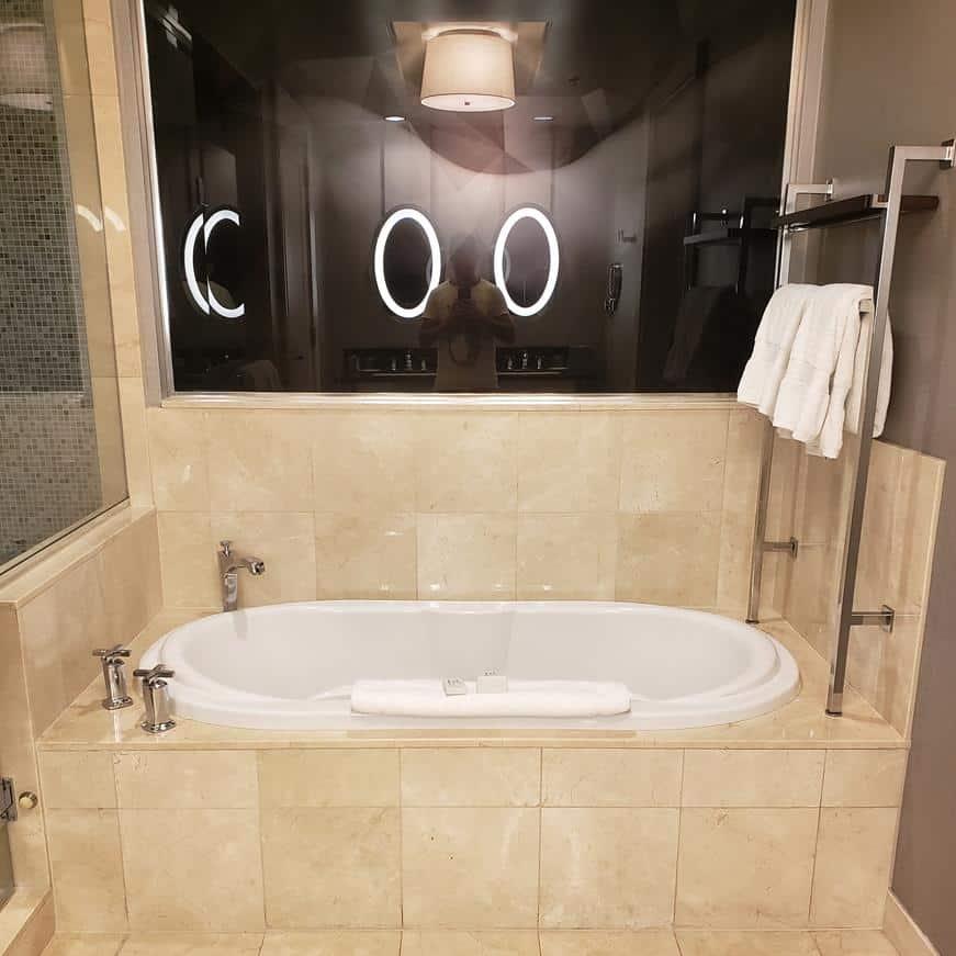 como é o quarto do Hotel Cosmopolitan Las Vegas