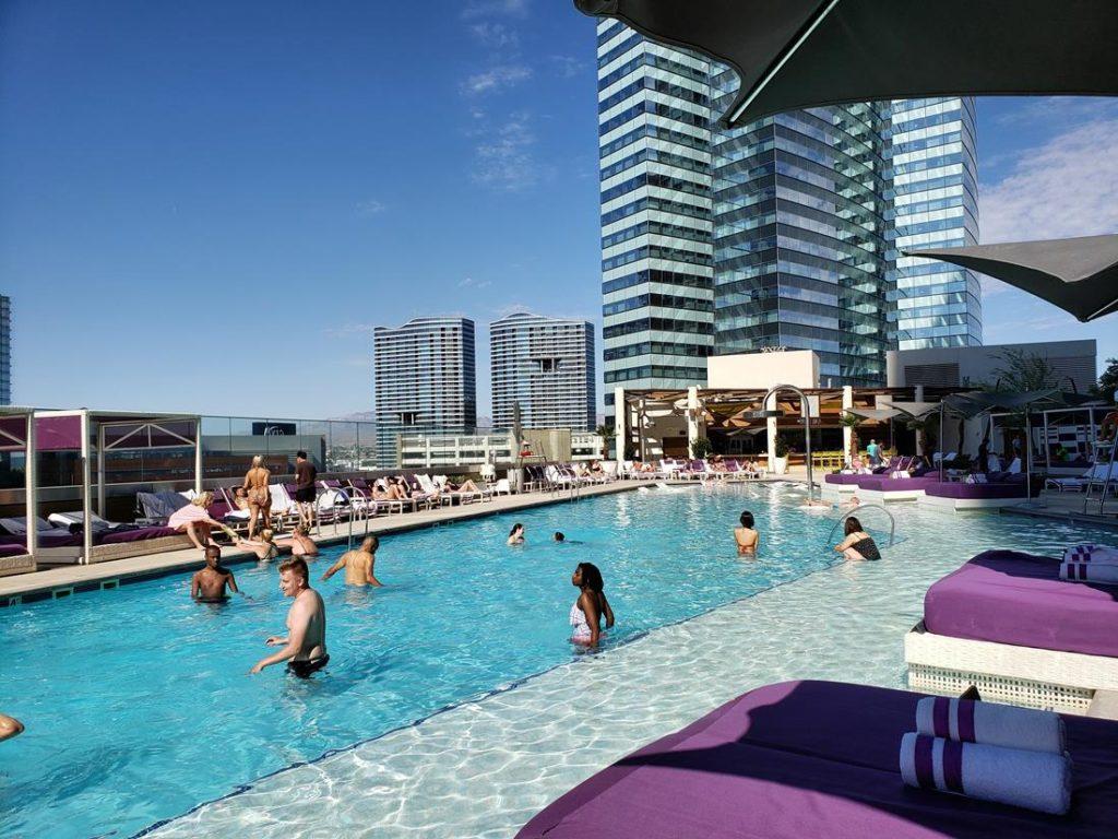 Piscina do  Hotel Cosmopolitan Las Vegas