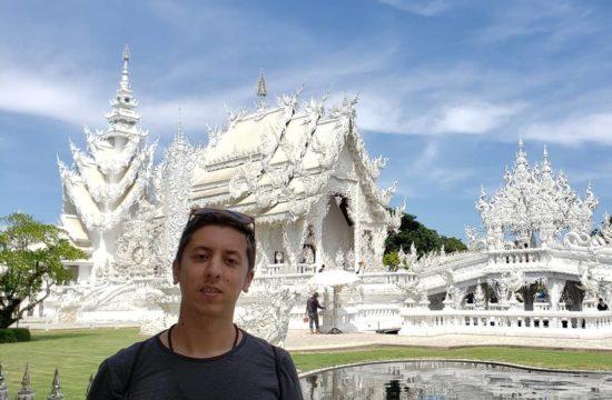 White Temple Chiang Rai - diego cabraitz arena