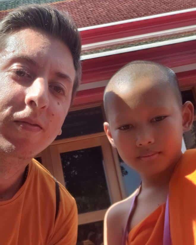 diego cabraitz arena e um monge em bangkok