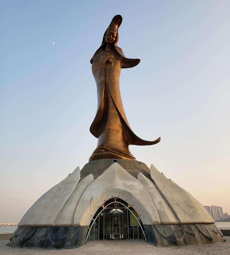 Estatua Lun Iam Macau