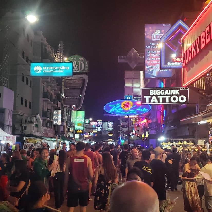 Khao San Road a noite o que fazer