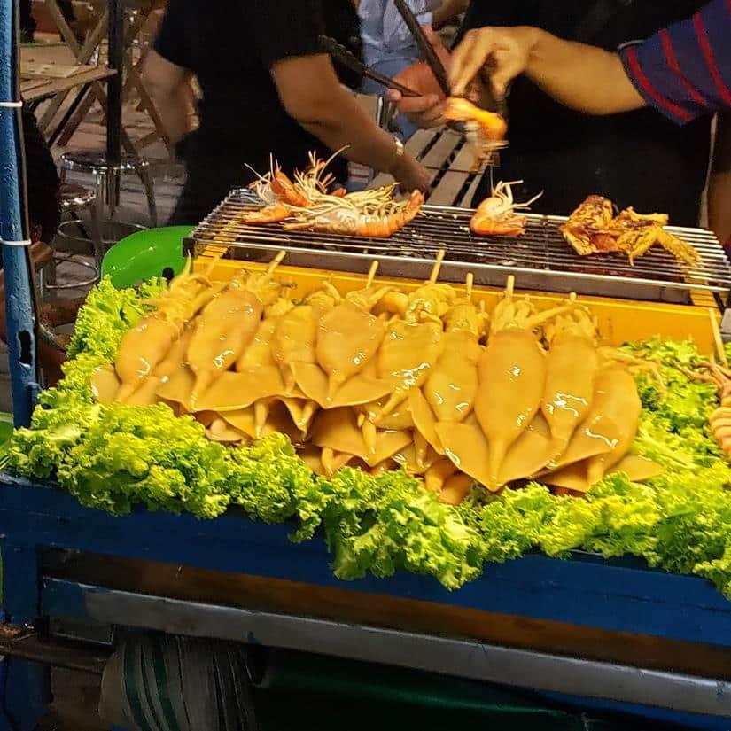 o que comer na Khao San Road