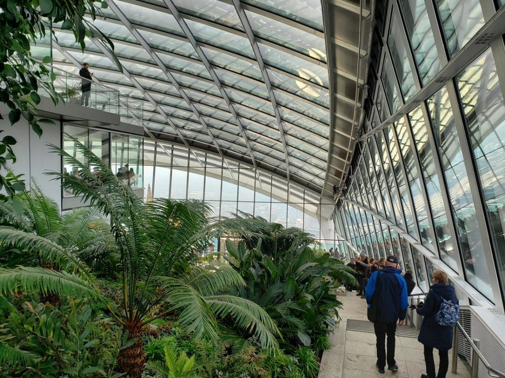 Jardim interno Sky Garden