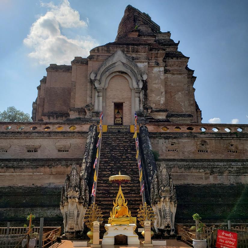 o que fazer em chiang mai - Wat Chedi Luang