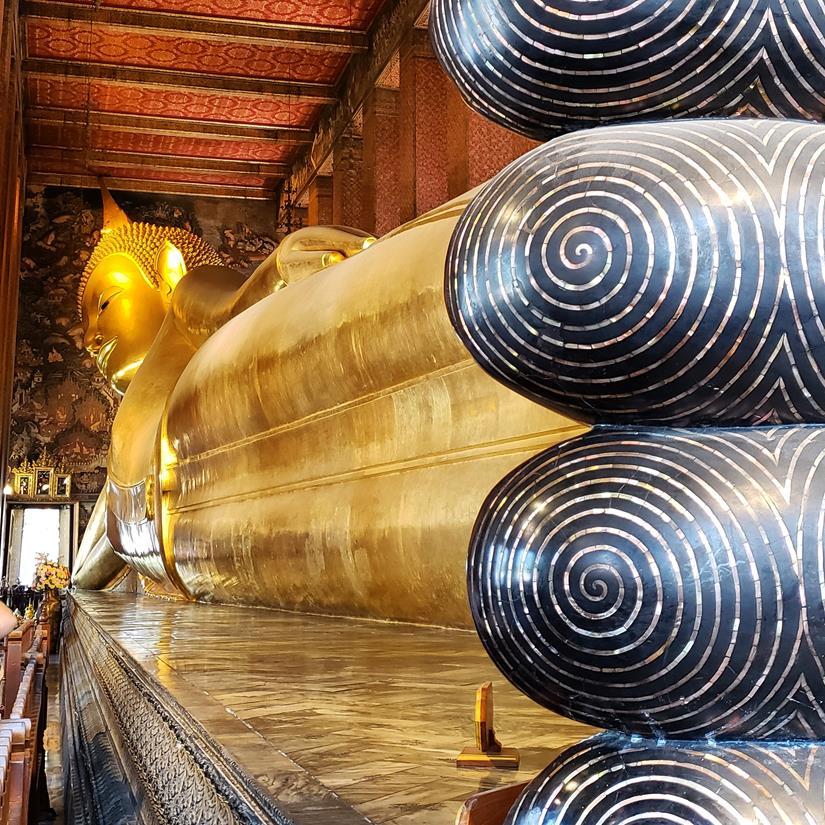 templo buda reclinado em bangkok - wat pho