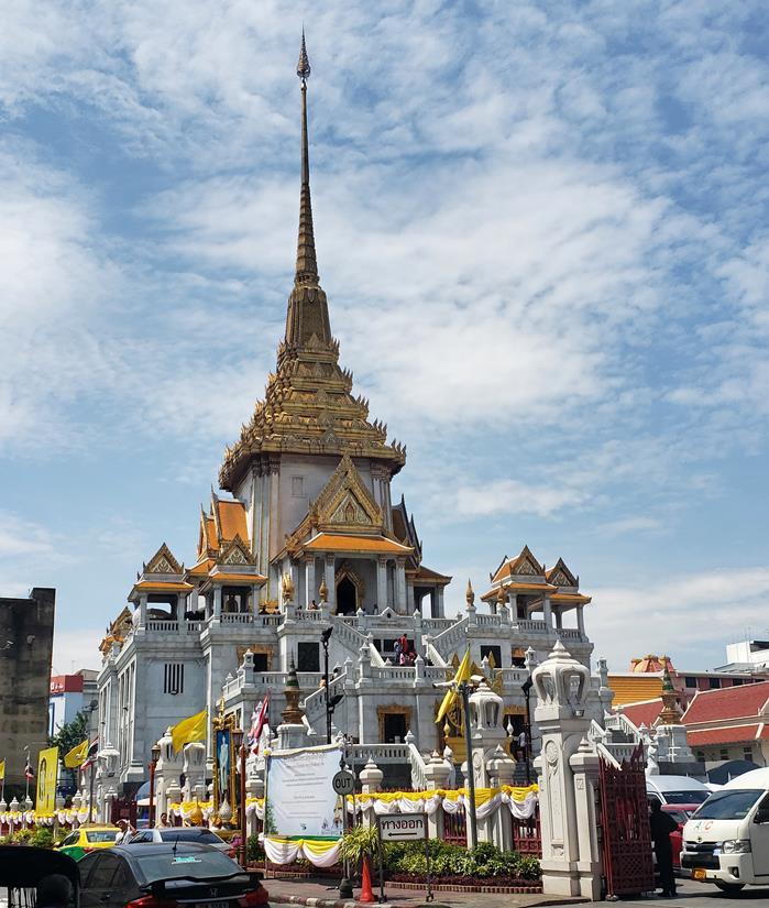 o que fazer em bangkok - templo Wat Traimit Wittayaram