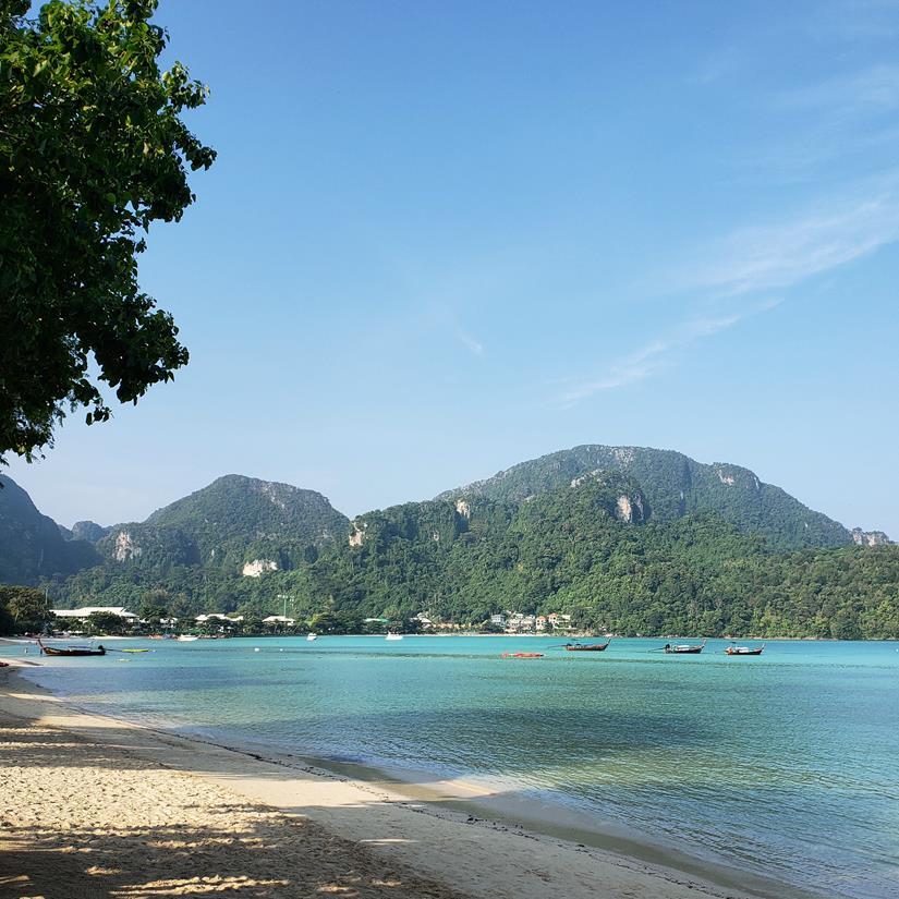 Praia em Phi Phi