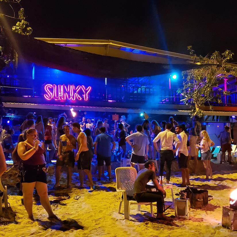balada em Phi Phi - Sunky Bar