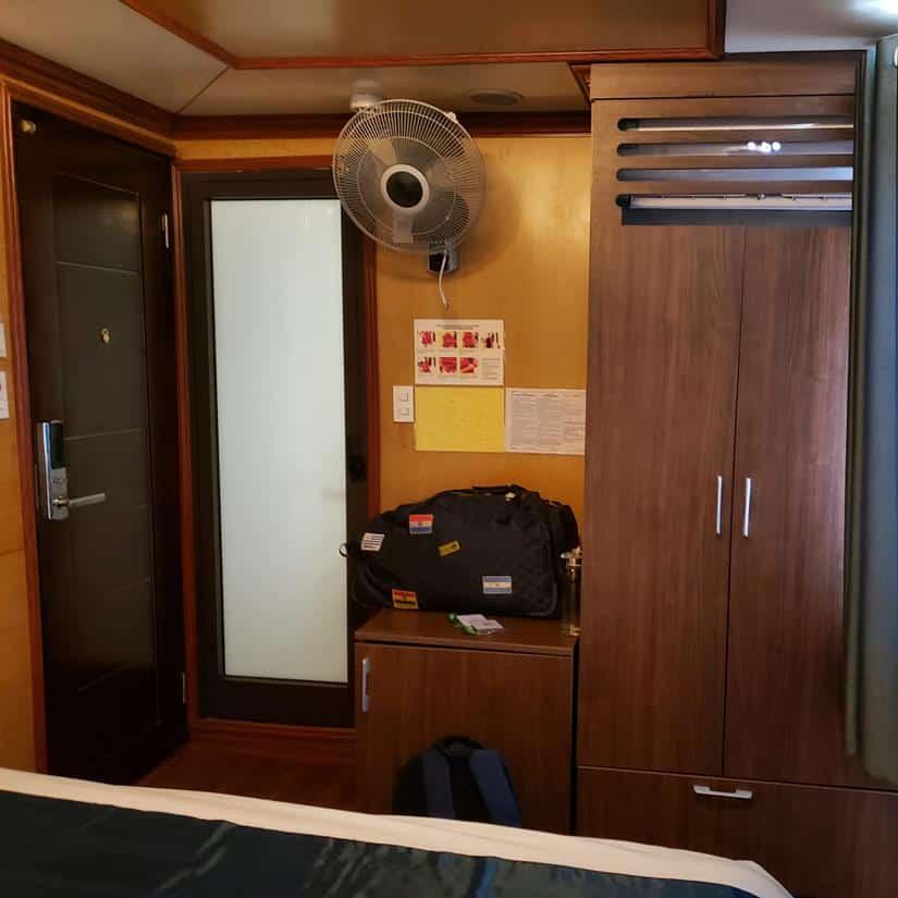 interior cabine cruzeiro halong bay