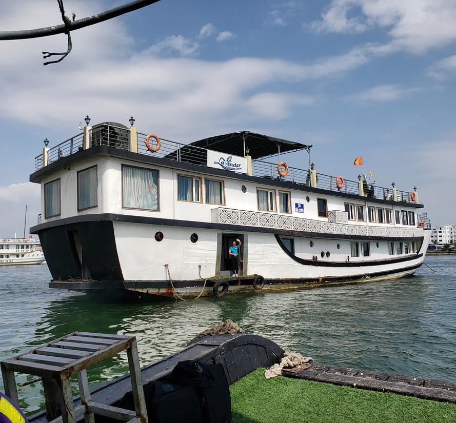 como é o cruzeiro em halong bay no vietnan