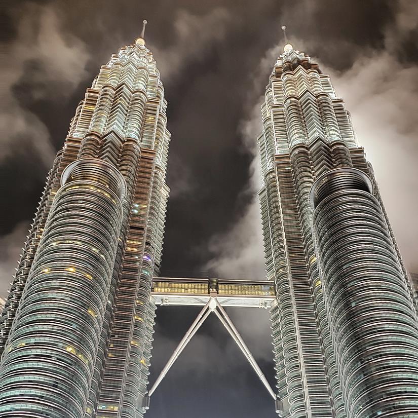 Petronas Tower a noite