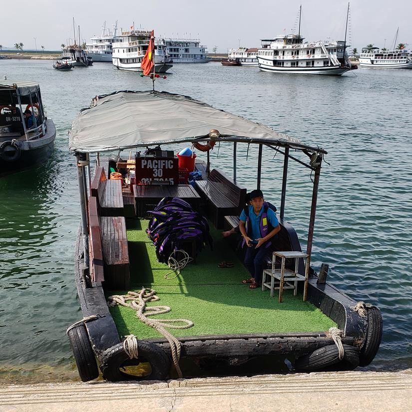 como é fazer o cruzeiro em Halong Bay