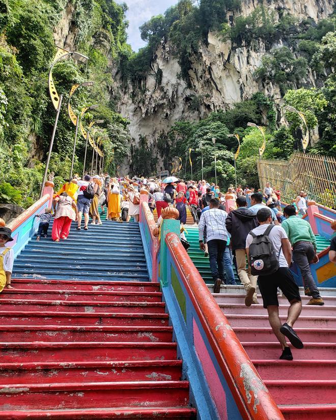 Escada colorida em batu Caves