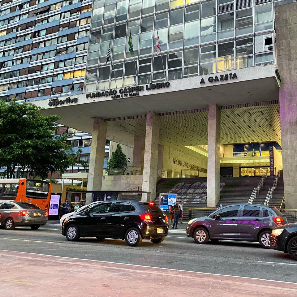 escadaria gazeta na avenida paulista