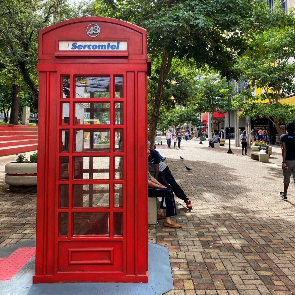 réplica telefone publico de Londres