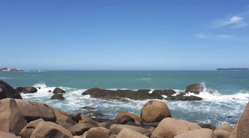 melhores praias em santa catarina, praia mole florianópolis